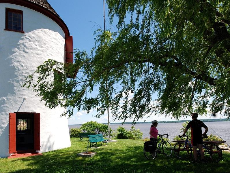 Québec - Trois-Rivières moulin_vélo Mathieu Lamarre - Modifier 800 X 600 Px
